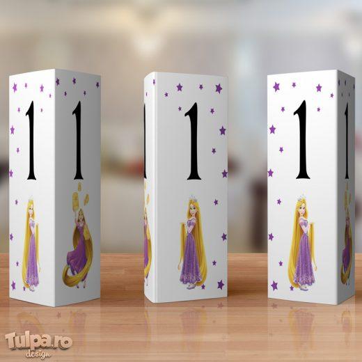 Numere de masa cu Rapunzel din setul deosebit pentru botez