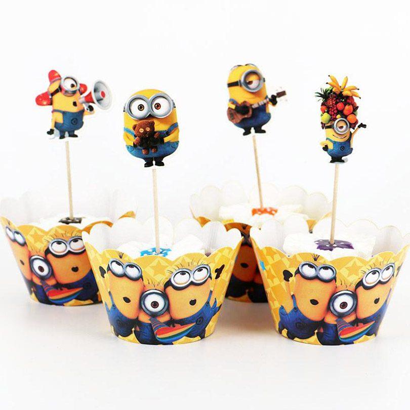 Candy Bar cu Minioni, set format din scobitori şi cupcakes