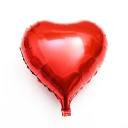 baloane in forma de inima, de culoare rosu metalizat