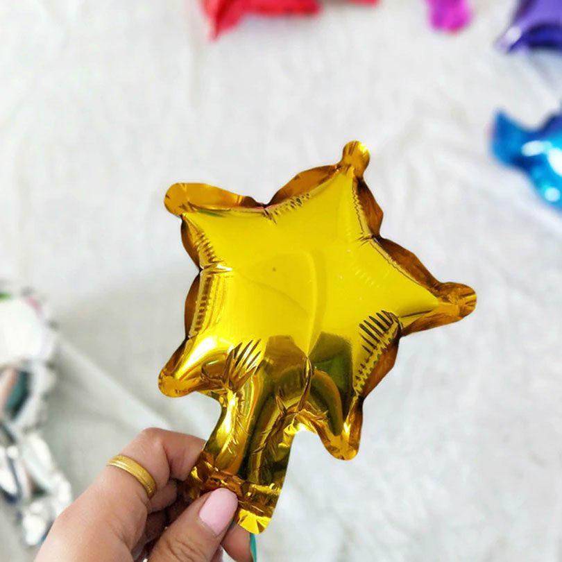 Mini baloane steluţe, de culoare aurie